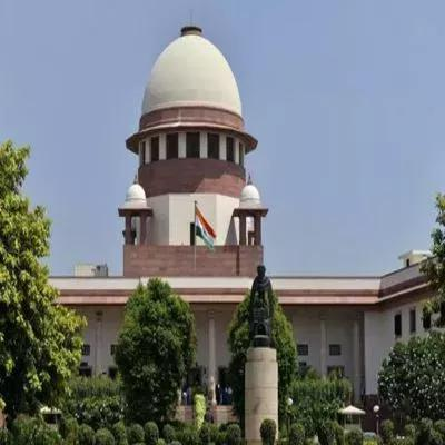 PIL on political funding: SC asks govt, poll panel to respond